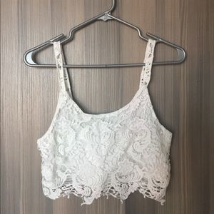 ✨SALE✨ Lace Crop Tank